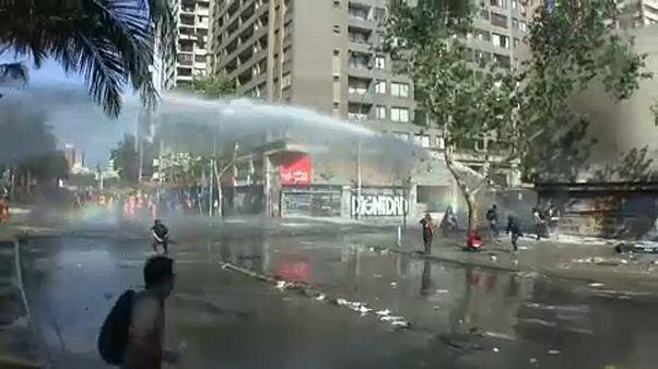 Новые столкновения в Чили