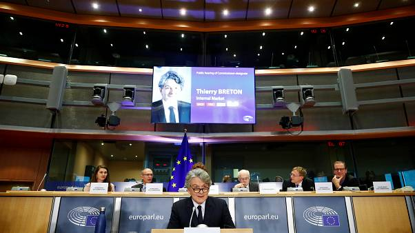 پارلمان اروپا کمیسر پیشنهادی فرانسه و رومانی را تایید و کمیسر مجارستان را رد کرد
