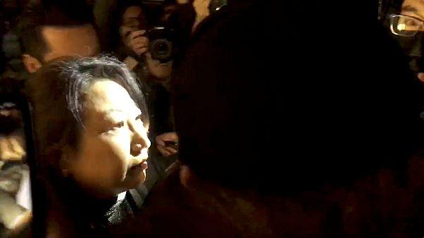 Hong Kong Adalet Bakanı Londra'da saldırıya uğradı