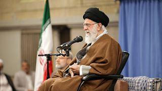 خامنهای: محو دولت اسرائیل به معنای محو یهودیان نیست بیرون کردن اراذلی مانند نتانیاهو است