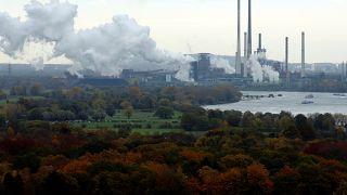 Teurer fliegen, billiger Bahn fahren: Bundestag beschließt Klimagesetz