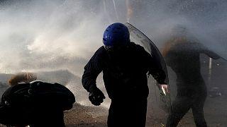 Şili'deki gösterilerde polisin havalı mermi kullanması nedeniyle 200'ü aşkın kişi görme yetisini kaybetti