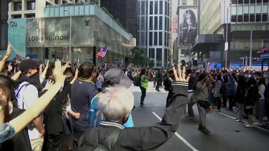 Hong Kong entra en recesión