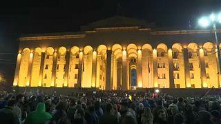 Grúzia: a választási rendszer módosításáért tüntetnek