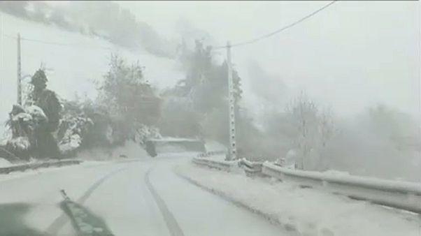 شاهد: شمال إسبانيا يواجه أسوأ موجة من الثلوج