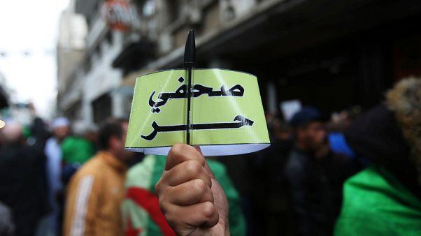 """شاهد: الصحافيون الجزائريون ينددون ب""""تهديدات وترهيب"""" السلطات"""