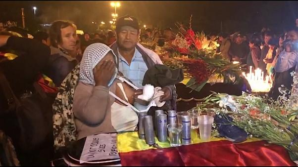 عزاداری برای کشته شدن ۵ هوادار مورالس در درگیریهای بولیوی