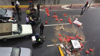 Iran in piazza contro il caro carburante. Un morto a Sirjan