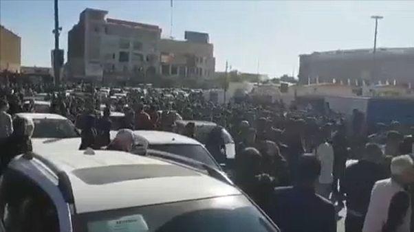 Benzin knapper und teurer: Unruhen im Iran