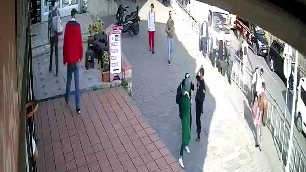 Karaköy'de başörtülü kadını yumruklayan saldırgan tutuklandı