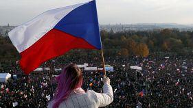 Multitudinaria marcha en Praga para pedir la dimisión de Andrej Babis