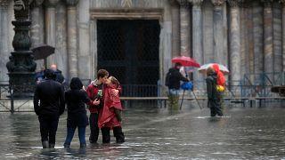 """""""Unser Notre-Dame"""": Venedig wappnet sich für neue Flut"""