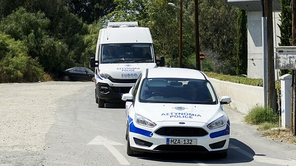 """الشرطة القبرصية تضبط """"حافلة تجسس"""" يملكها ضابط سابق في أجهزة الاستخبارات الإسرائيلية"""
