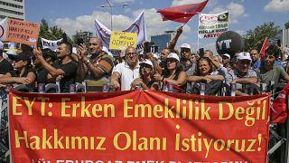 Emeklilikte Yaşa Takılanlar (EYT) Ankara'da eylem düzenledi