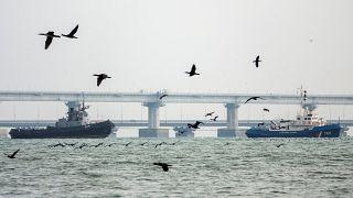 РФ передала Украине три корабля, задержанных в районе Керченского пролива - МИД России