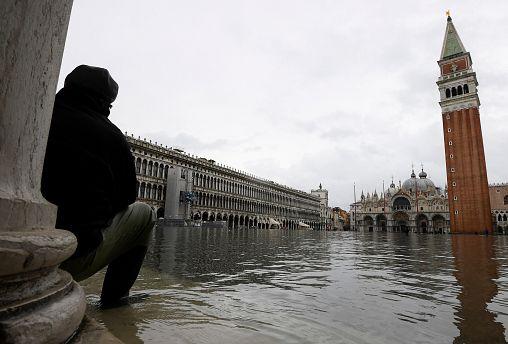 В Венеции третий прилив за неделю