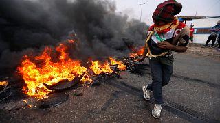 حلف الأطلسي يحض الحكومة العراقية على ضبط النفس ومبعوثها يصف الاحتجاجات بالمأساة