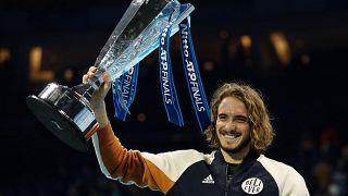 Federer'i eleyen 21 yaşındaki Yunan raket Stefanos Tsitsipas Nitto ATP'de şampiyon oldu