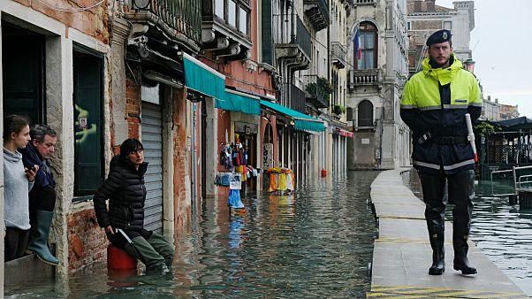 Las inundaciones amenazan el resto de Italia