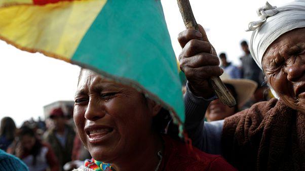 Bolivia entierra a sus muertos y Morales denuncia crímenes de 'lesa humanidad'