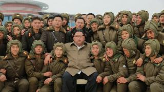 شاهد: زعيم كوريا الشمالية يشرف على تدريبات للقوات الجوية