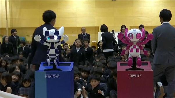 التعويذتان الرسميتان ميرايتوا وسوميتي لألعاب طوكيو الأولمبية الصيفية 2020
