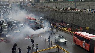 İran'da benzin zammı protestoları