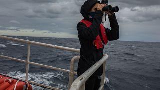 A bordo del Aita Mari, el barco de rescate de migrantes que desafía al Gobierno español