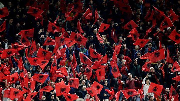Arnavutluk taraftarı Fransa milli marşını ıslıkladı