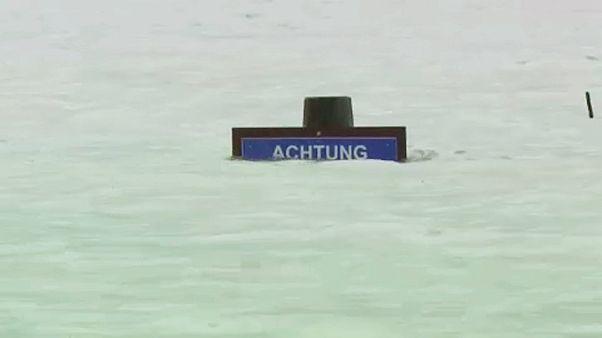 Sárlavina és áradások Ausztriában