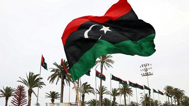 مقتل 10 أشخاص بينهم عمال أجانب في غارة جوية جنوب العاصمة الليبية