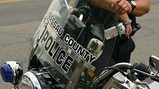 Engelli çocuğu darp ederek gözaltına alan ABD'li polise tepki