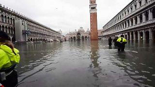 Венеция: все еще по колено в воде