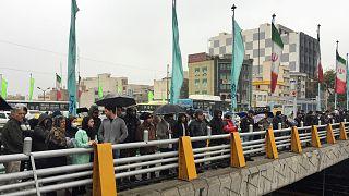 متظاهرون في طهران على خلفية ارتفاع أسعار البنزين- أرشيف رويترز