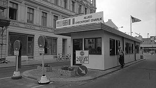 Berlin, Grenzübergang Checkpoint Charlie, 1988