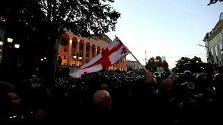 Грузия: парламент возобновил работу