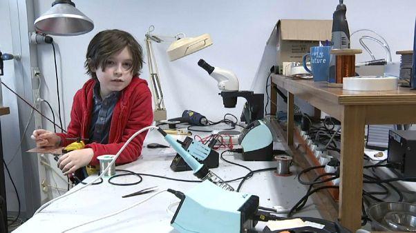 Menino belga termina curso universitário aos 9 anos