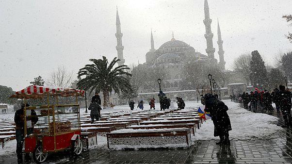 ارتفاع عدد حالات الانتحار في تركيا خلال أيام قليلة يثير صدمة في البلاد