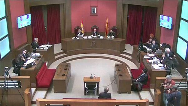Bíróság előtt a katalán elnök