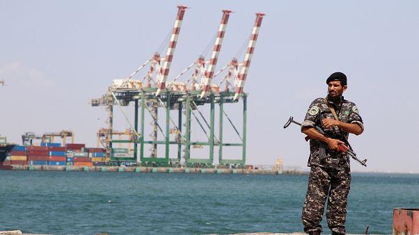 Husiler Kızıldeniz'de Suudia Arabistan ve Güney Kore'ye ait gemilere el koydu