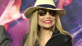 La Toya lobt Michael Jackson und reagiert auf Missbrauchsvorwürfe