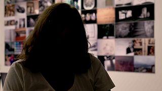 """Spagna, la testimonianza di una donna vittima di violenza:  """"la paura di incontrarlo per strada"""""""