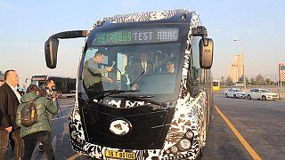 İstanbul Büyükşehir Belediye Başkanı Ekrem İmamoğlu yerli metrobüsü test etti