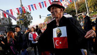 Türkiye Cumhuriyeti'nin kurucusu Mustafa Kemal Atatürk 10 Kasım'da anıldı.