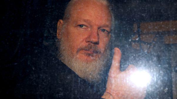 İsveçli savcı, Julian Assange hakkında açılan tecavüz soruşturmasını 10 yıl sonra durdurdu