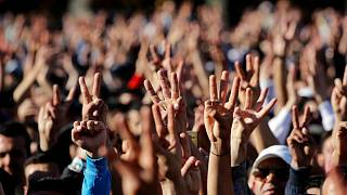 تقرير: تزايدٌ كمّي وتراجعٌ نوعي في النظم الديمقراطية حول العالم