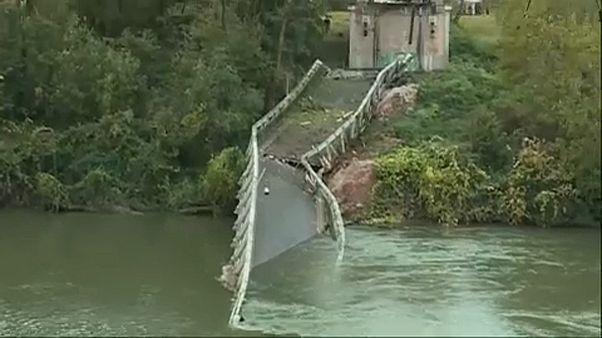 Γαλλία: Αναζητούν τα αίτια της κατάρρευσης κρεμαστής γέφυρας με δύο νεκρούς