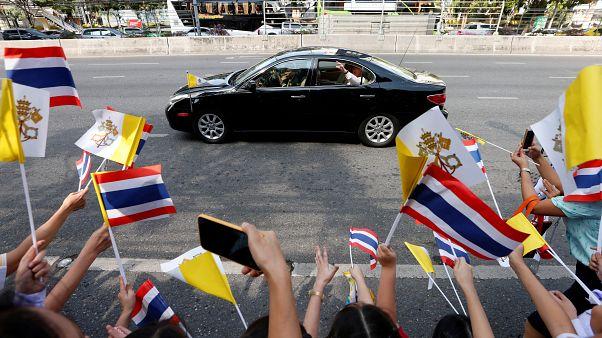 شاهد:البابا فرنسيس يصل إلى تايلاند المحطة الأولى من جولته الآسيوية