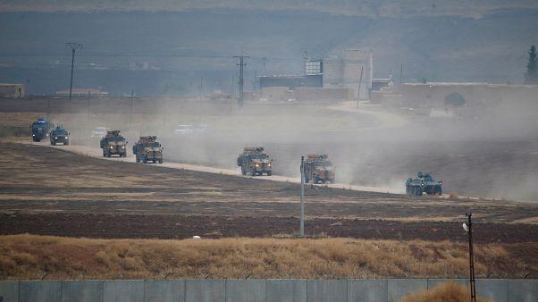 وزارة الدفاع التركية: مقتل 17 في هجوم بسيارة ملغومة قرب رأس العين في سوريا