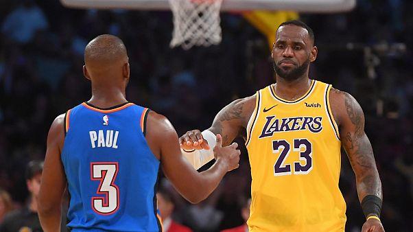 LeBron James triple double ile rekor kırdı